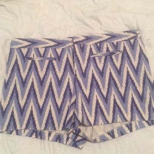Gap chevron pattern shorts size 14